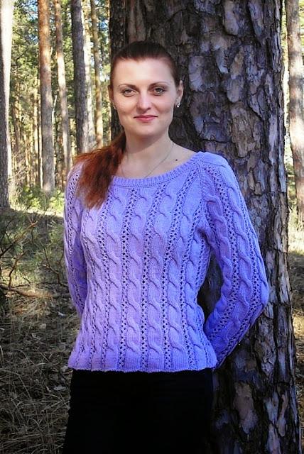 свитер женский  связано на спицах сиреневый цвет ручная работа