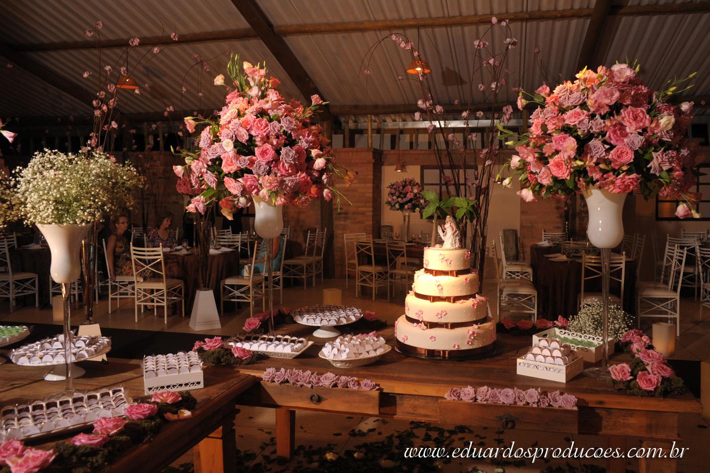 Casamento Perfeito Decoraç u00e3o Marrom e Rosa! -> Decoração De Bolo Com Flor Natural