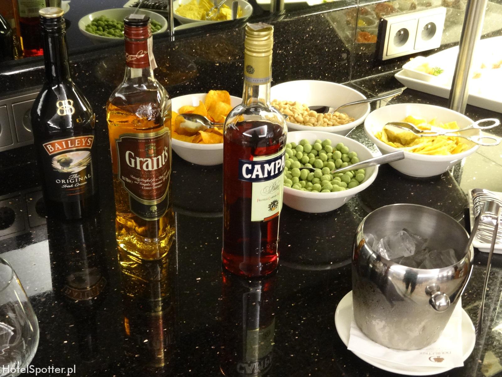 Salonik Executive Lounge w DoubleTree by Hilton Warsaw - mocne alkohole