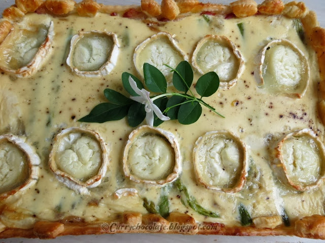 ... intentándolo): Caramelized onion, asparagus and goat cheese quiche