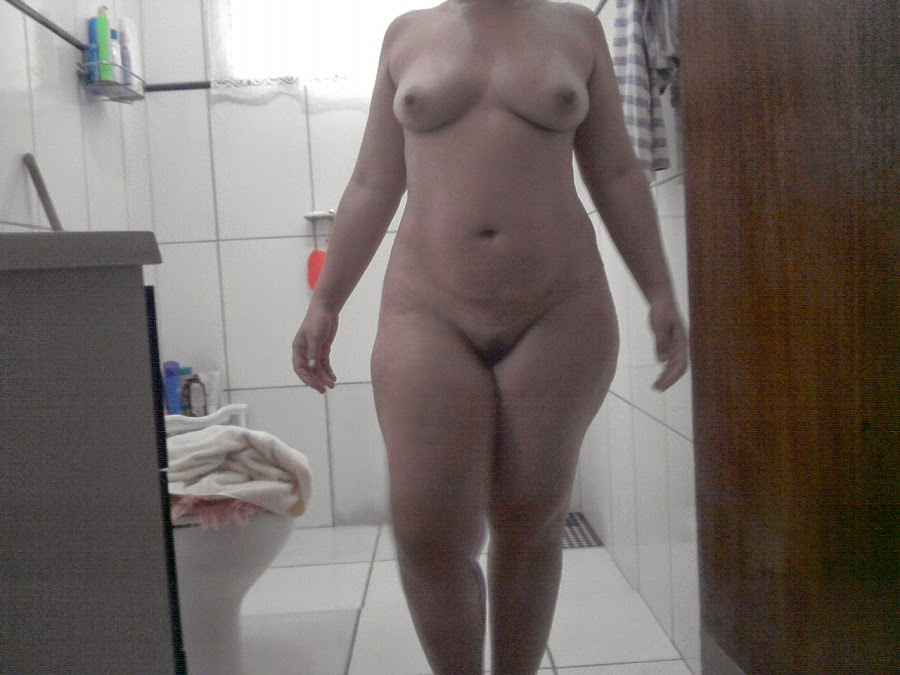 Black young ladys showing big wet pussy