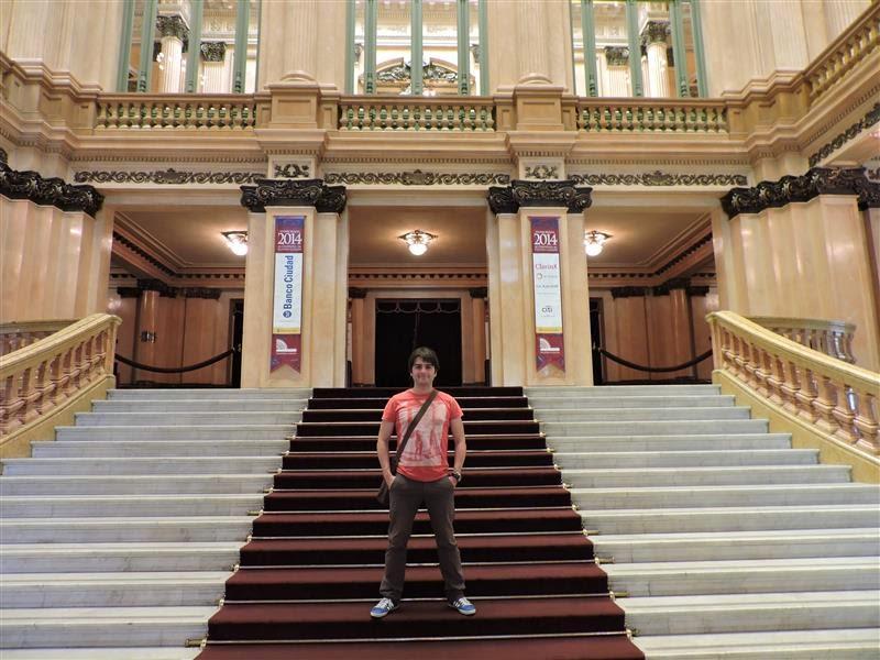 Escalinata del Teatro Colón