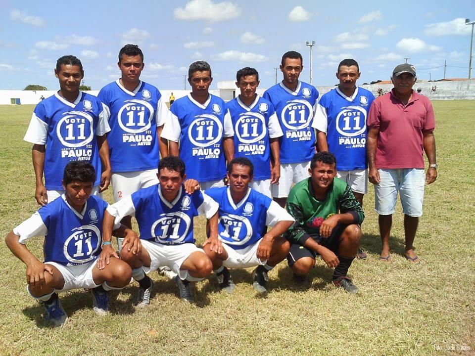 Torneio de futebol em Lagoa de Onça