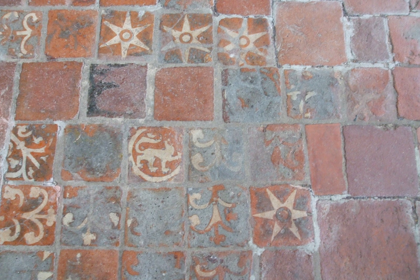 The scottish home old floor tiles in winchester cathedral why the seemingly haphazard arrangement did it have some significance or was it simply that some tiles wore away and had to dailygadgetfo Image collections