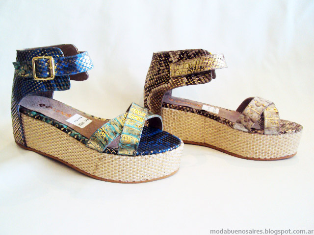 Sandalias bajas y comodas moda primavera verano 2015.
