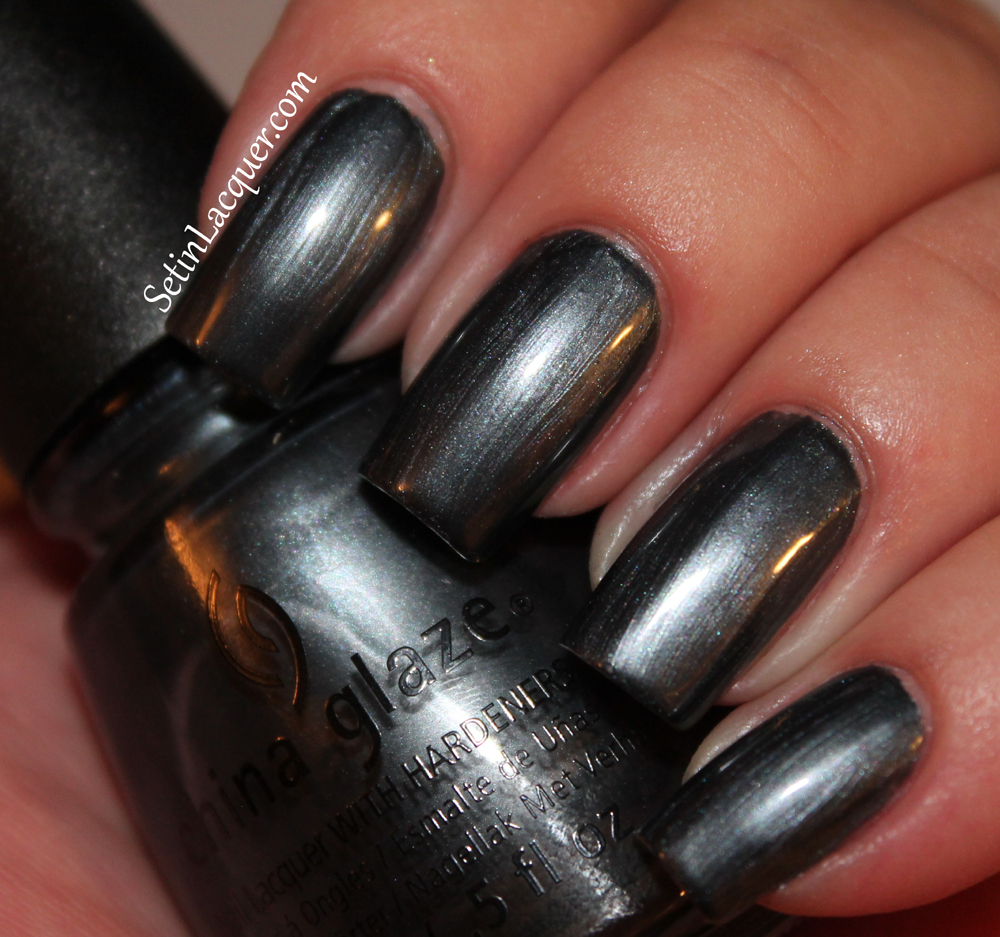 China Glaze - Kiss My Glass