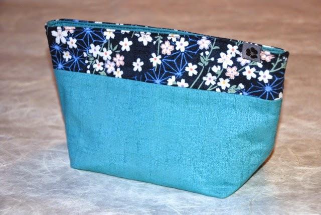 Kosmetiktasche SANAE aus japanischen Stoffen, handgemacht, handmade, Unikat, Einzelstück
