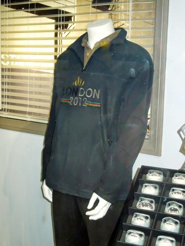 Clive Owen Children of Men Theo Faron costume