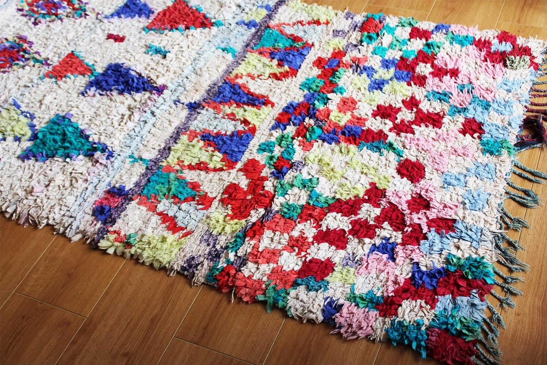 Boucherouite Tapis richesse: recherche sur le tapis boucherouite