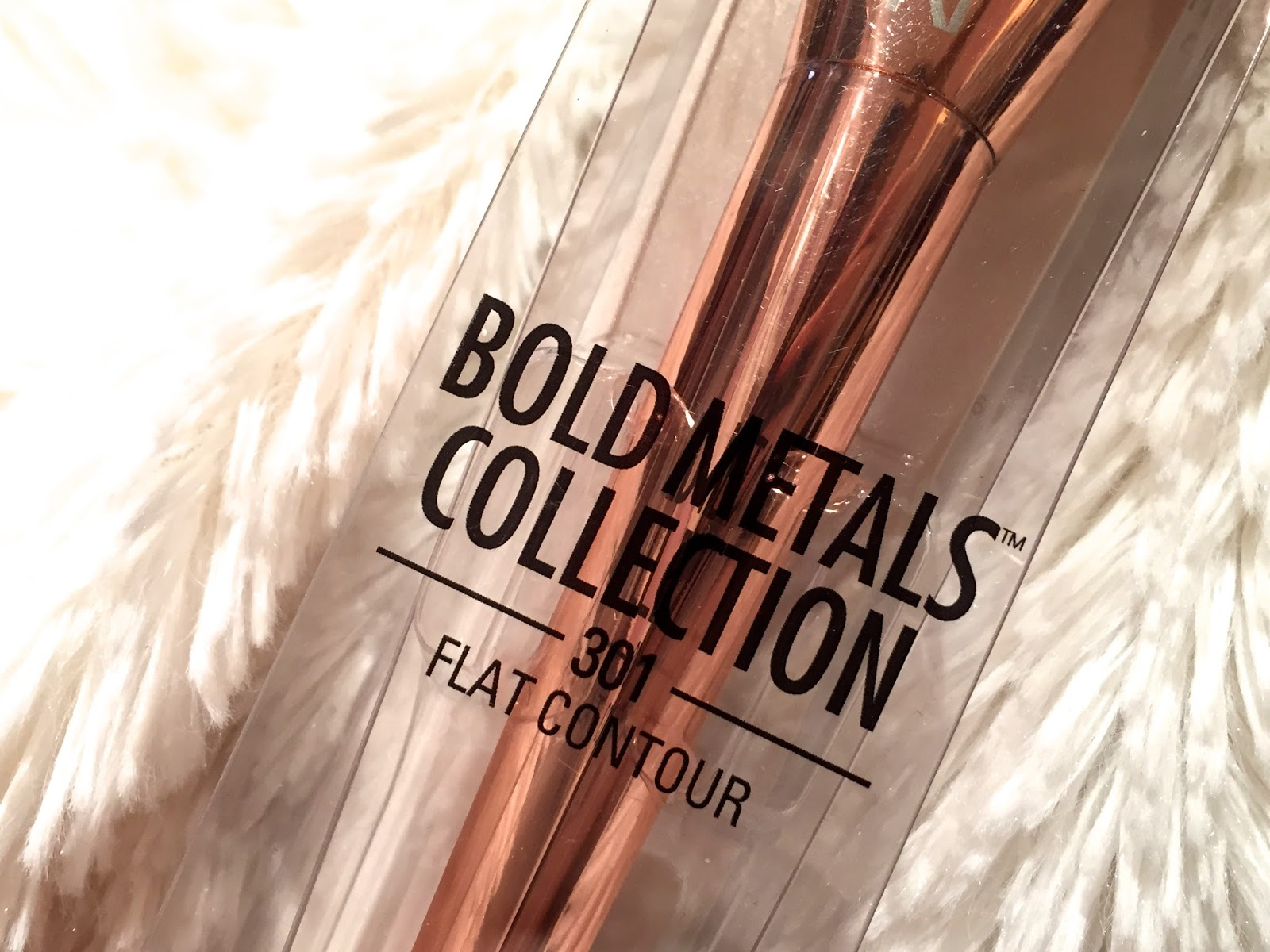 real techniques bold metals contour brush. as in full on kim-k style contour. so when real techniques came out with the beautiful bold metals contour brush
