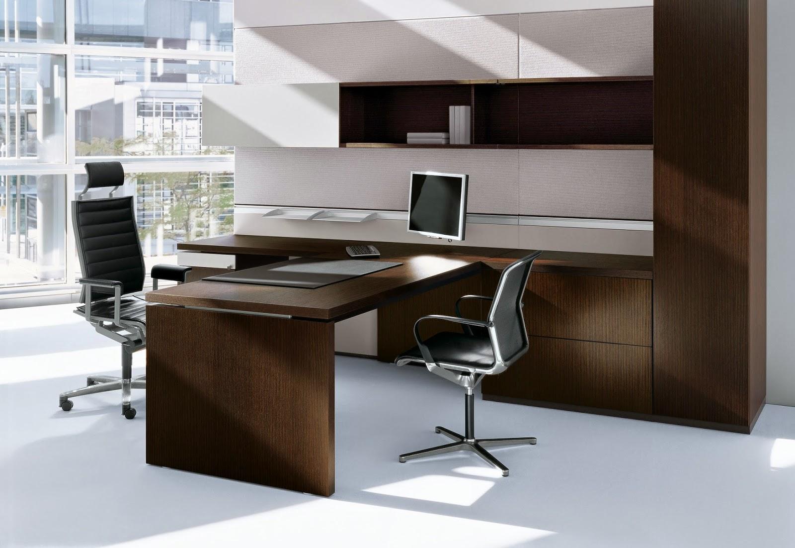 com os tons escuros da madeira dos móveis e das cadeiras pretas #281E14 1600x1102