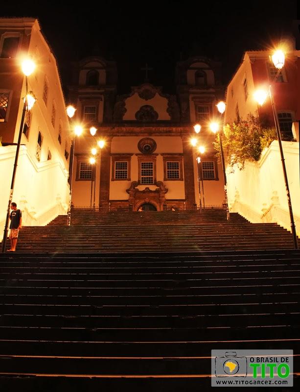 Escadaria e igreja do Santíssimo Sacramento da Rua do Passo, no Centro Histórico de Salvador, na Bahia - Por Tito Garcez em 2013