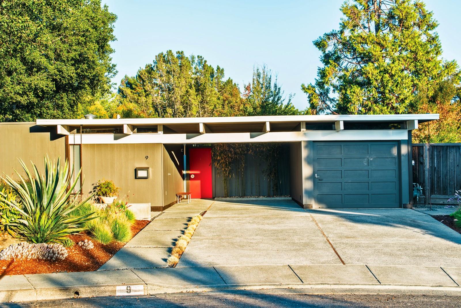 Wohnen im Eichler Haus - gelungener Mix aus Mid-Century Designklassiker und modernem Design