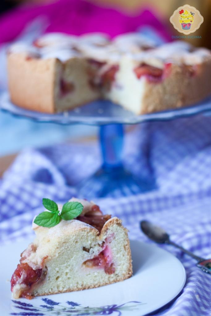 proste ciasto ze śliwkami, ciasto ze śliwkami przepis, przepis na ciasto ze śliwkami, ciasto śliwki, ciasto delikatne ze śliwkami