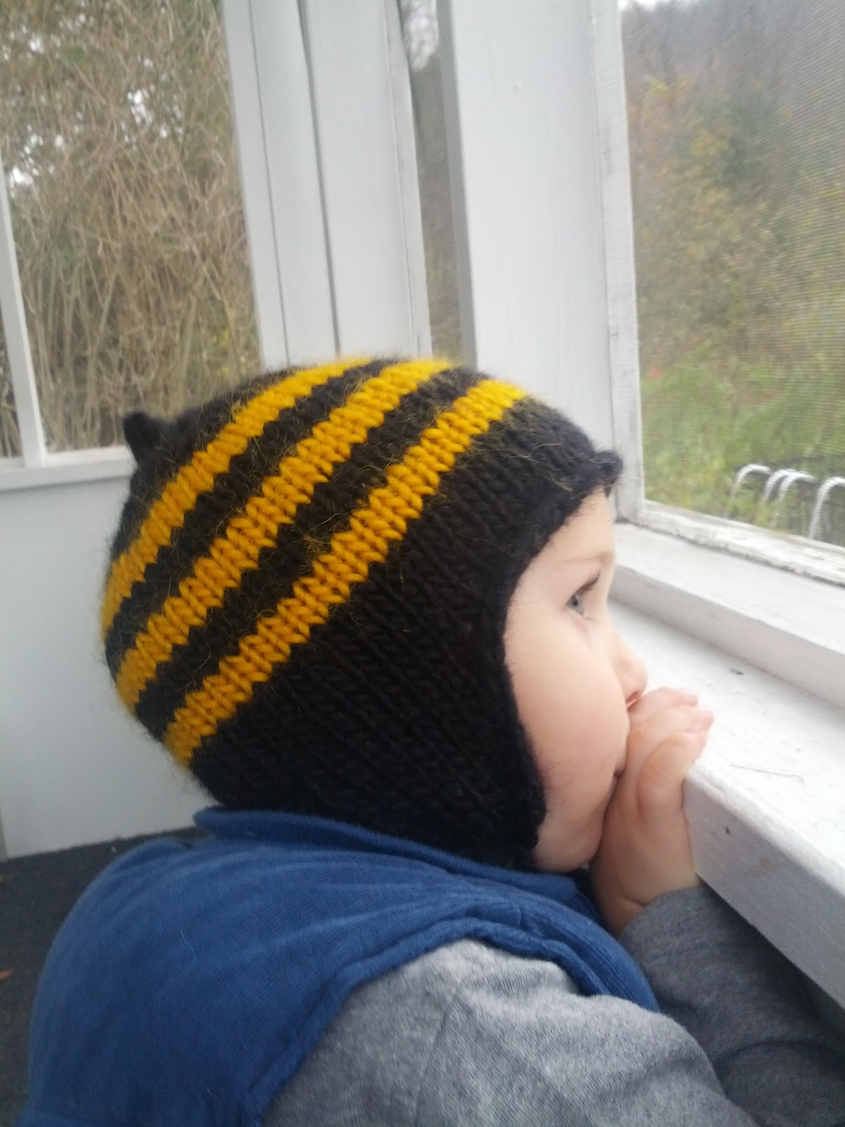 Bumble Bee Knitting Pattern : Jenna Takes On: Bumble Bee: A Free Knitting Pattern