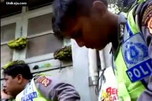 image 1 Beredar Video Anggota Polantas Terima Suap Rp 50.000 Heboh di Youtube