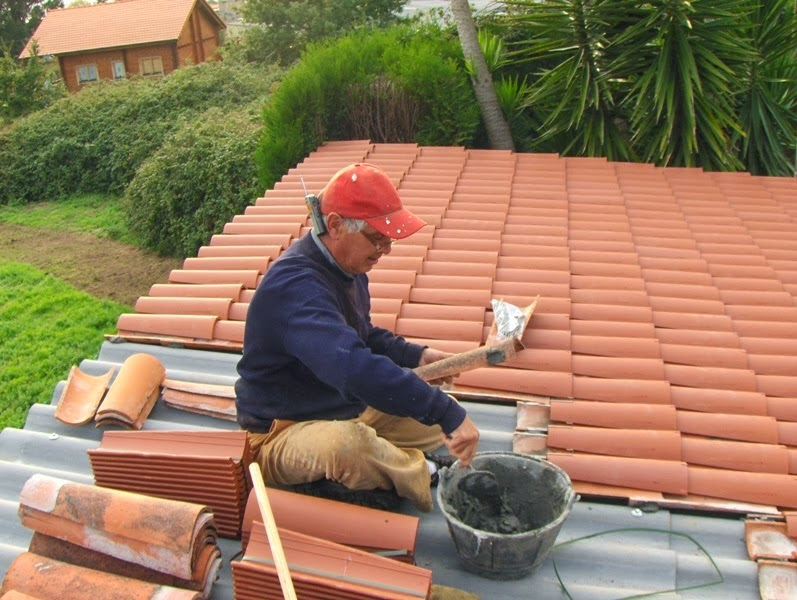El maestro de obras xavier valderas los tejados for Tejado de madera o hormigon