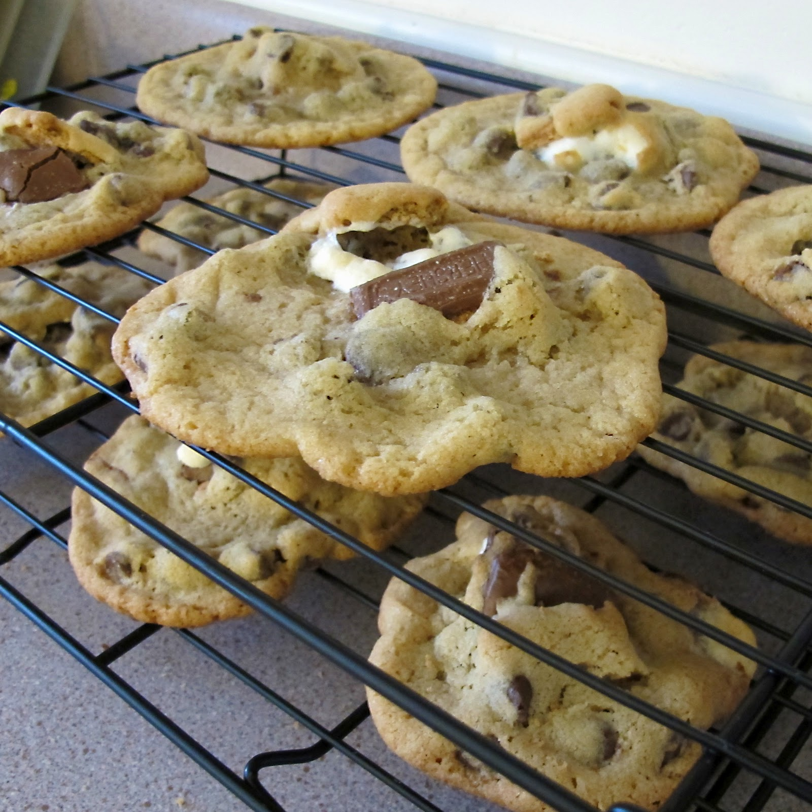 So Many Sweets: S'more Stuffed Chocolate Chip Cookies