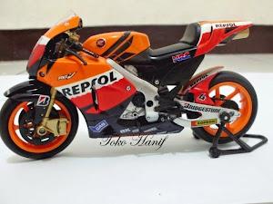 Repsol Honda (Andrea Dovizioso) 1:12