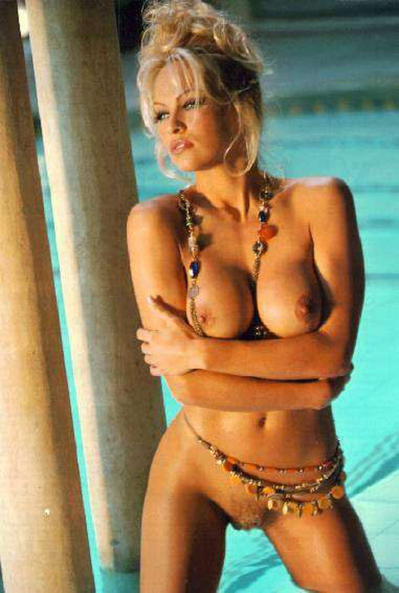 Opinion pictures of pamala anderson naked
