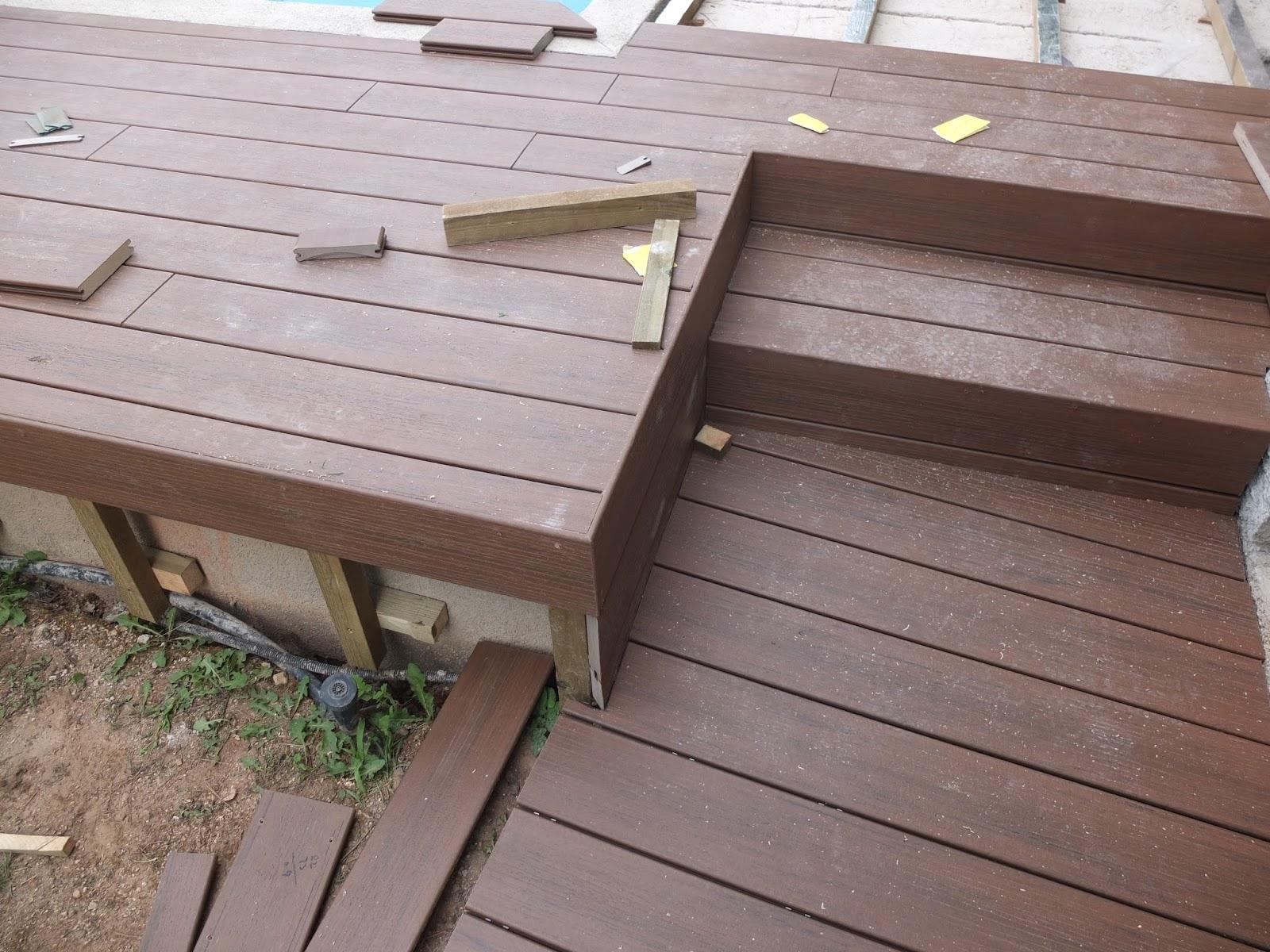 Opemho sl piscina con suelo de madera sintetica y valla - Suelo de madera ...