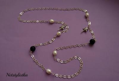 naszyjnik z perłami styl Coco Chanel