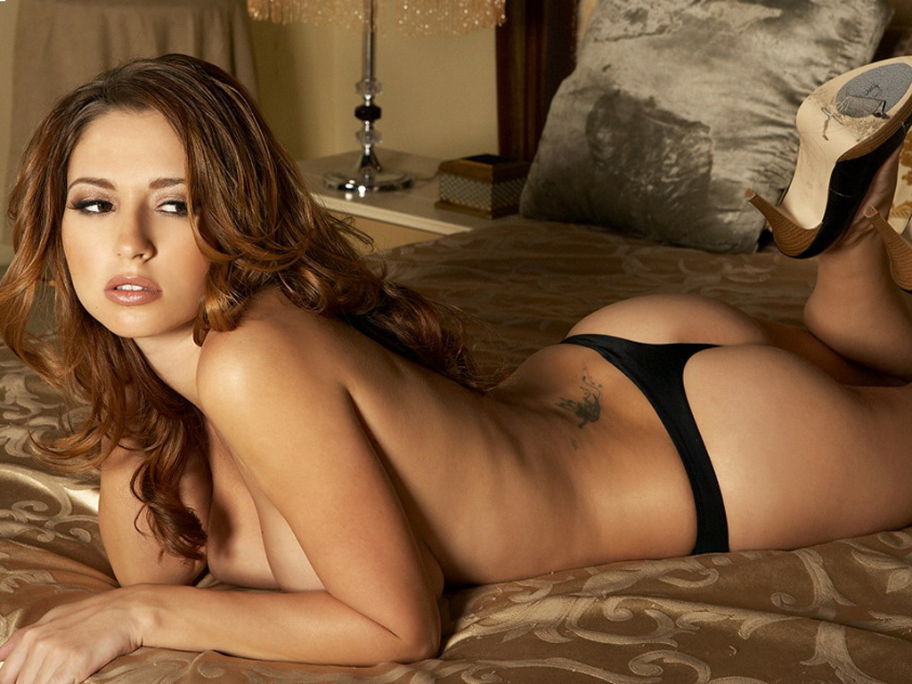 http://3.bp.blogspot.com/-Rj8z6B_vxBo/TzoQhLVI2WI/AAAAAAAANXY/7sOcz_LfhyQ/s1600/Girl+On+Bed+Sexy+Wallpaper.jpg
