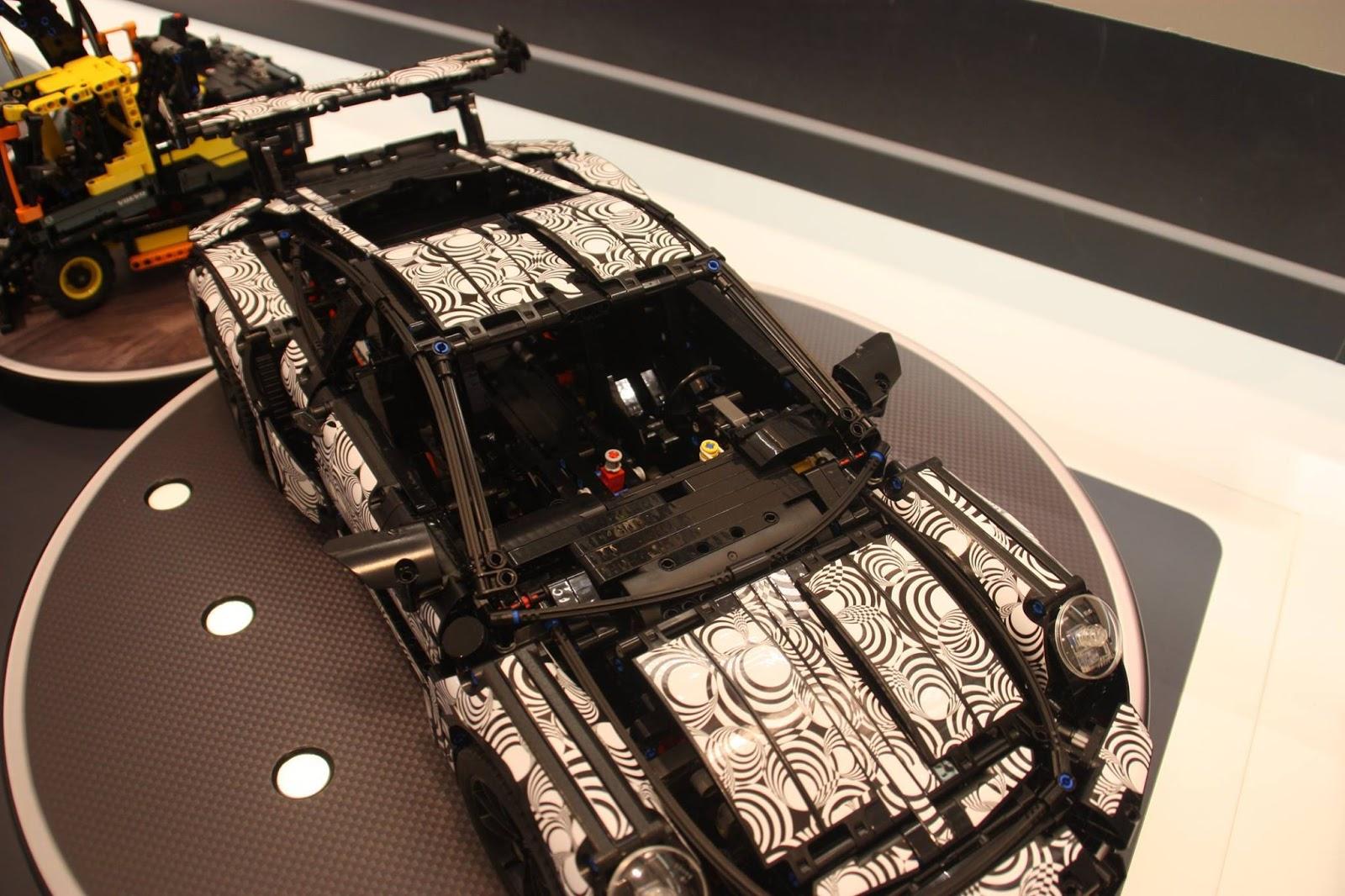 Lego Technik Drops Cool Porsche 911 Gt3 Rs Set With