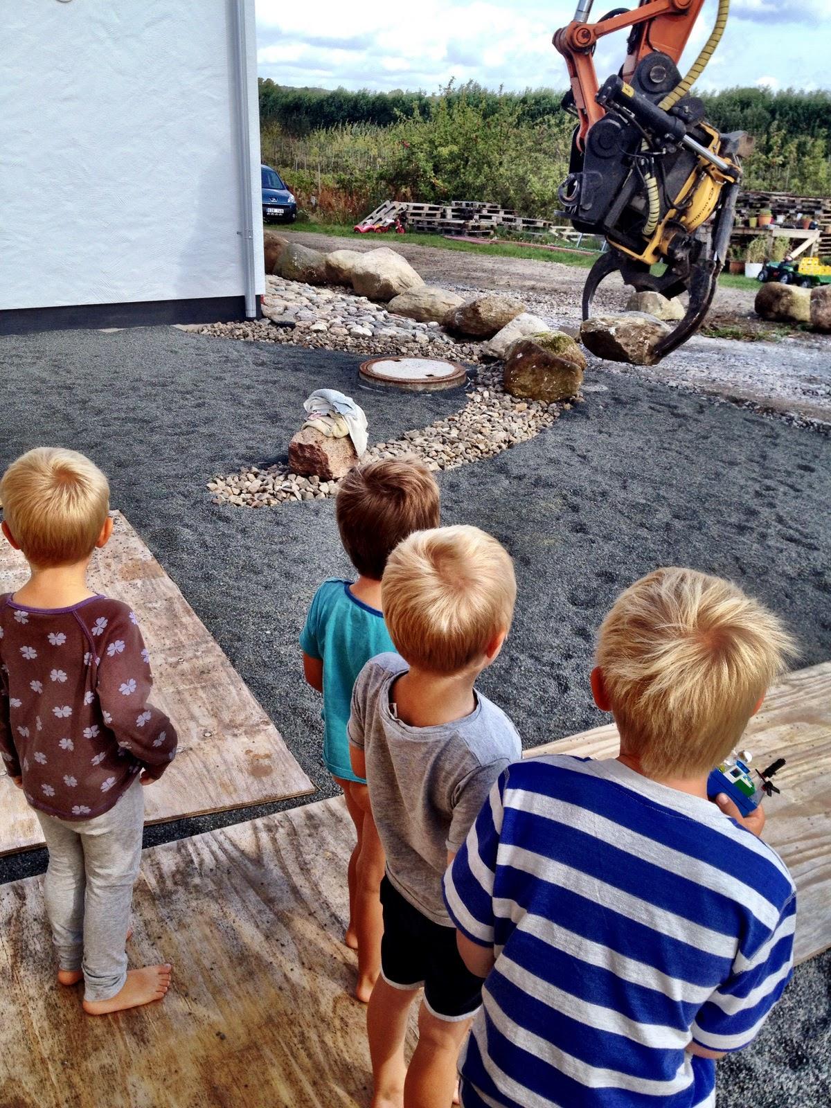 Villa Natura ekologiskt lågenergihus Österlen projektledare sten mur staket
