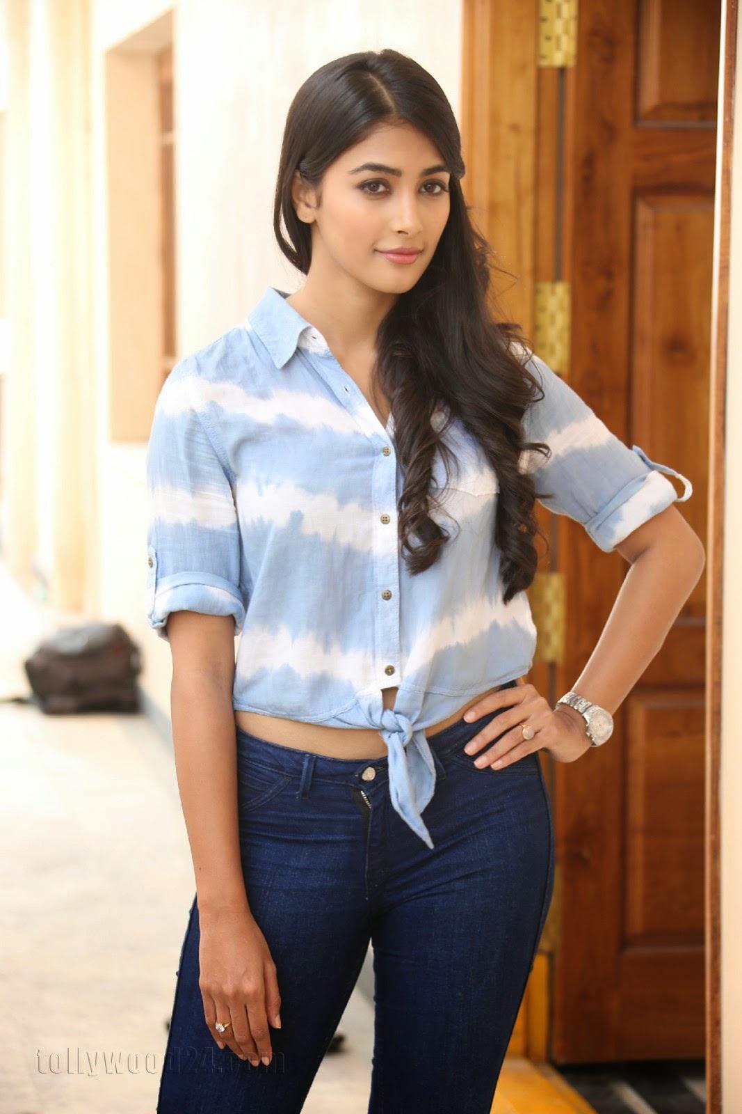 Pooja hegde gorgeous photo shoot-HQ-Photo-11