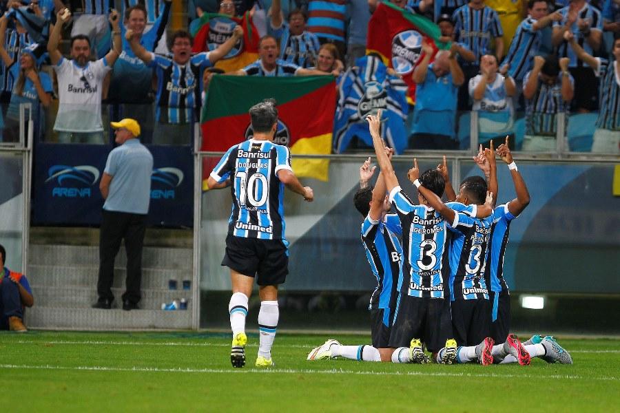 Em grande dia, o Grêmio goleou o Inter no clássico e surpreendeu até a si mesmo (Foto: Lucas Uebel/GFBPA)