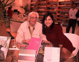 Eu e Ferreira Gullart na Bienal em 03 de setembro de 2011