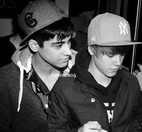 Autor  Julia Dro  dzik o 14 08 Brak komentarzyZayn Malik Drawing Of Justin Bieber
