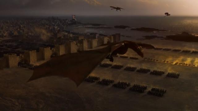 los dragones sobrevolando astapor y los inmaculados - Juego de Tronos en los siete reinos