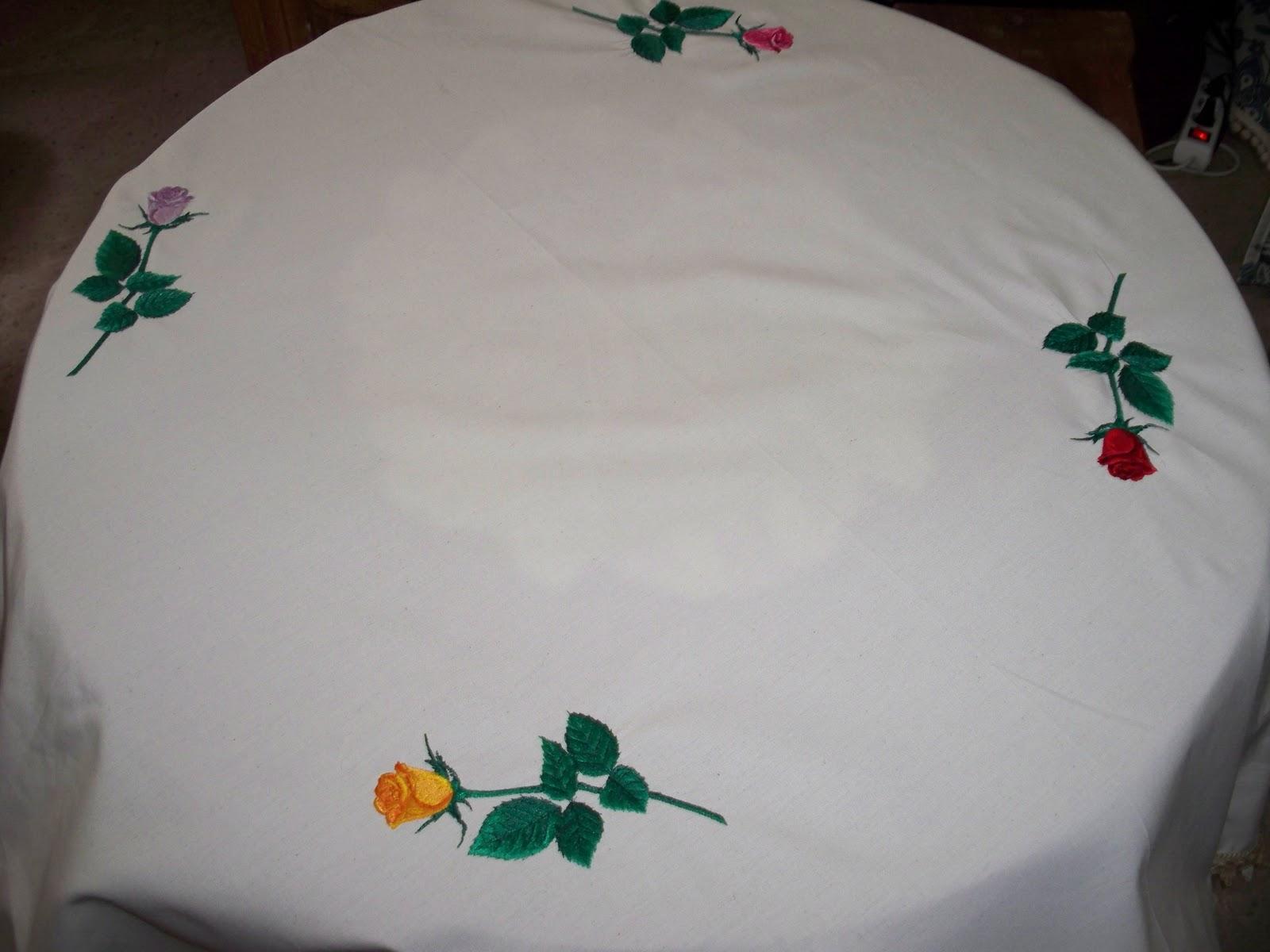 Entre agujas y canillas la mar de bordados mantel - Vestir mesa camilla ...