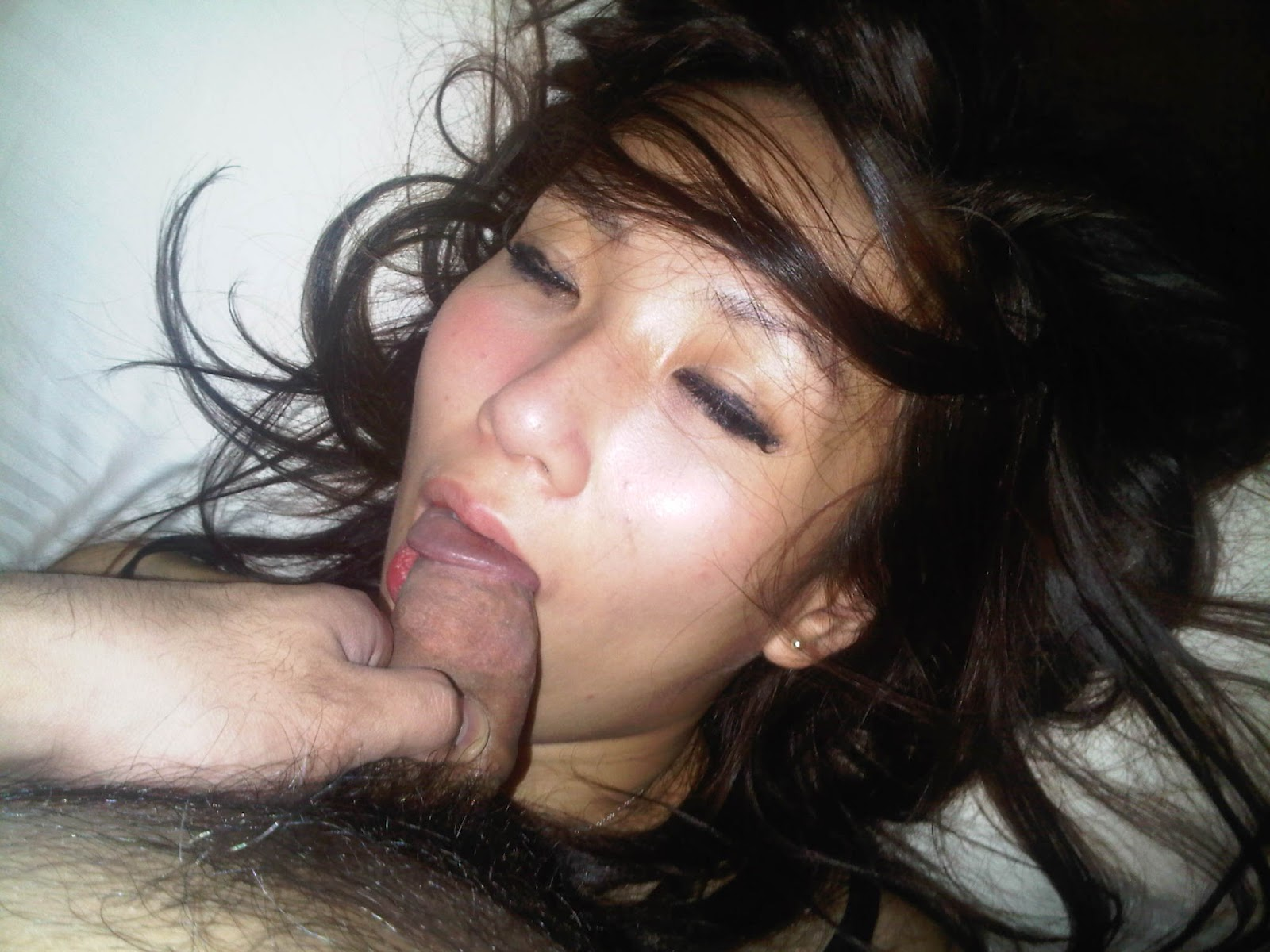 leak Japanese girlfriend naked sleep