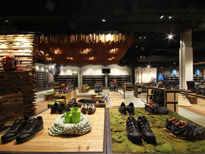 Reischmann stuttgart proyect contract un ambiente for Disenos de tiendas de ropa modernas
