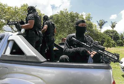 Gambar Polis Dan ATM Malaysia Berjuang di Sabah