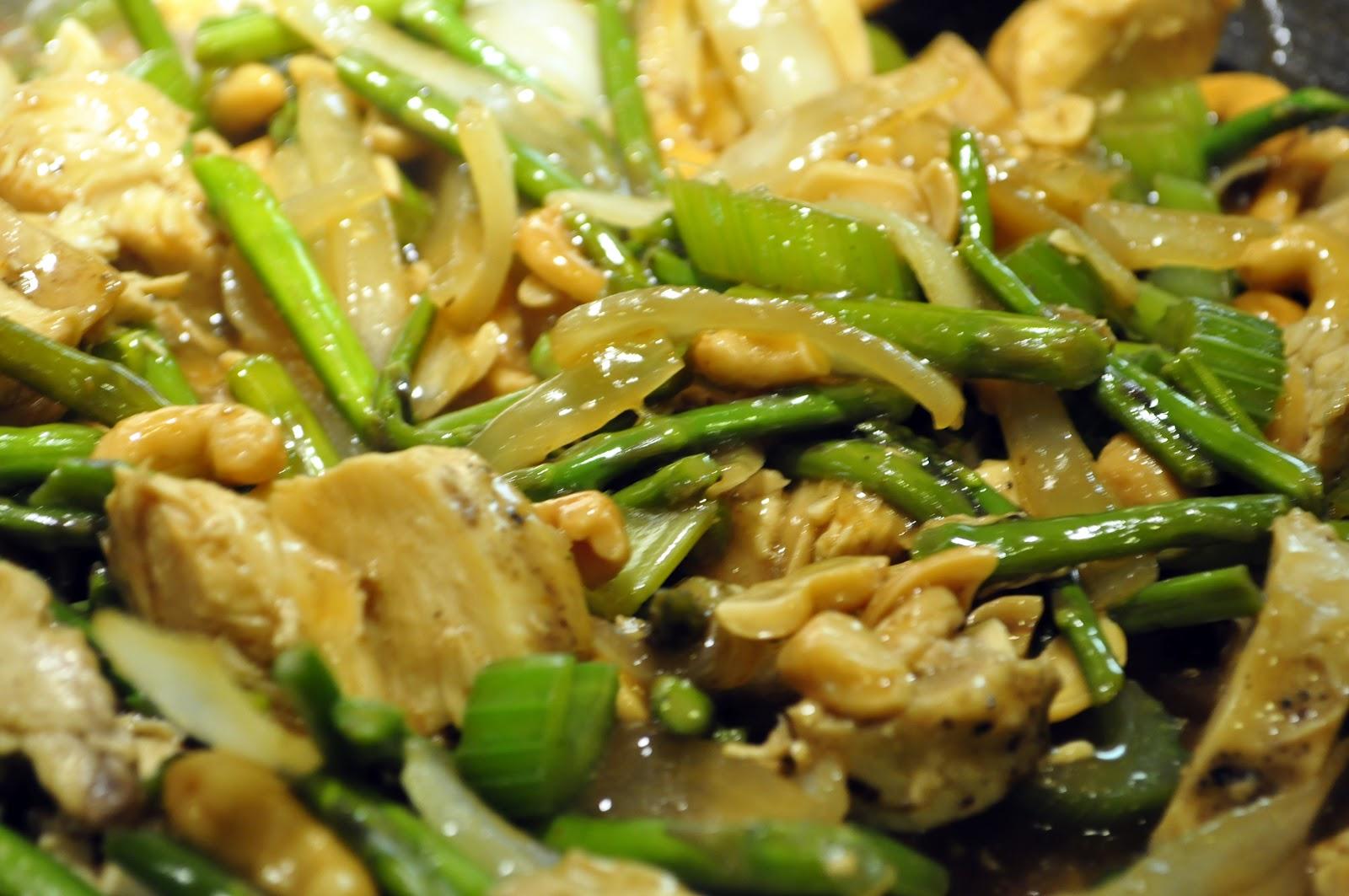 Asparagus And Cashew Chicken Stir-fry Recipe — Dishmaps