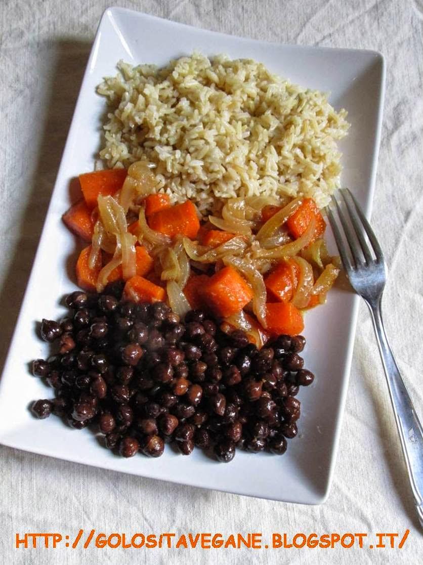 Estremamente Golosità Vegane: Riso, ceci neri e carote stufate NW15