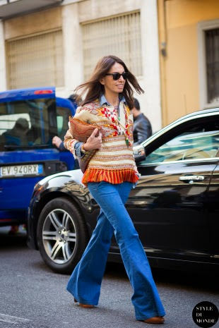 Pantalones campana vaqueros street style 2015