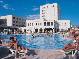 perissia-otel-ürgüp-açık-yüzme-havuzu