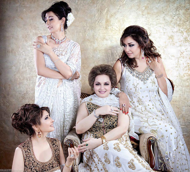 Pakistani Singer Madam Noor Jahan Beautiful Daughters