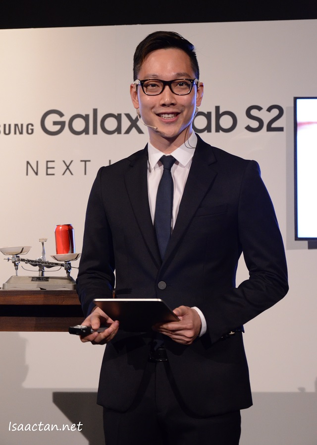The good looking MC for the day, introducing us to the Samsung Galaxy Tab S2