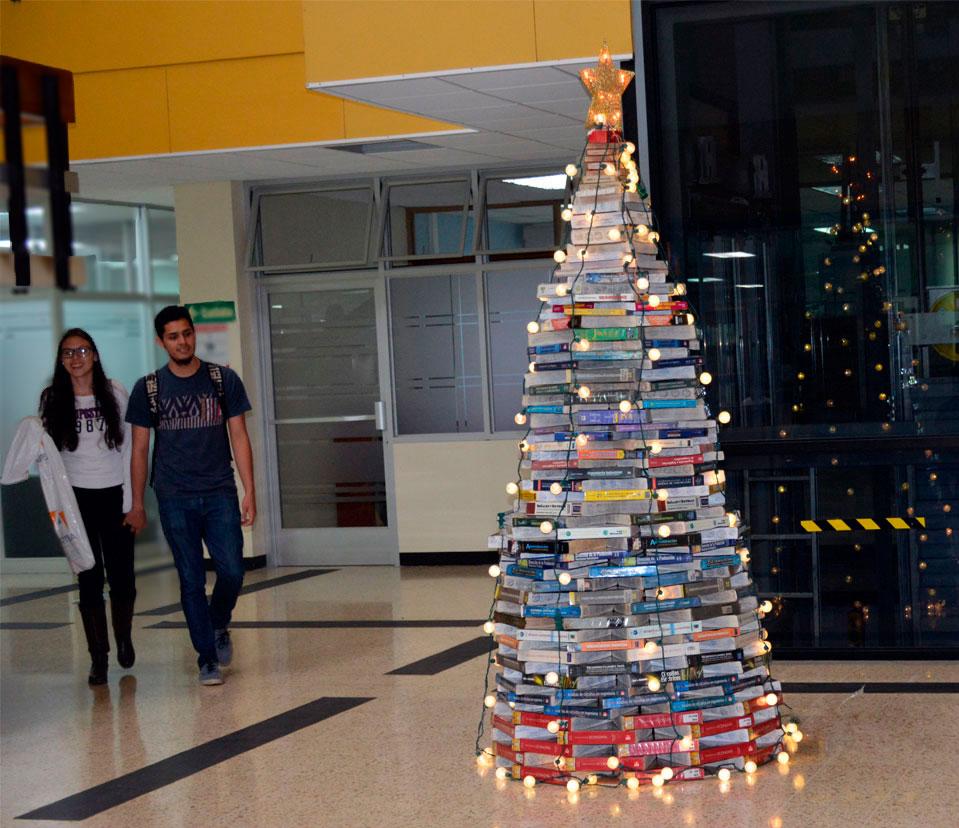 Biblioteca verde tec for Libros de decoracion