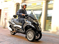 2013 Piaggio MP3 250 Scooter pictures - 1