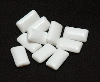 Chiclets style chewing gum