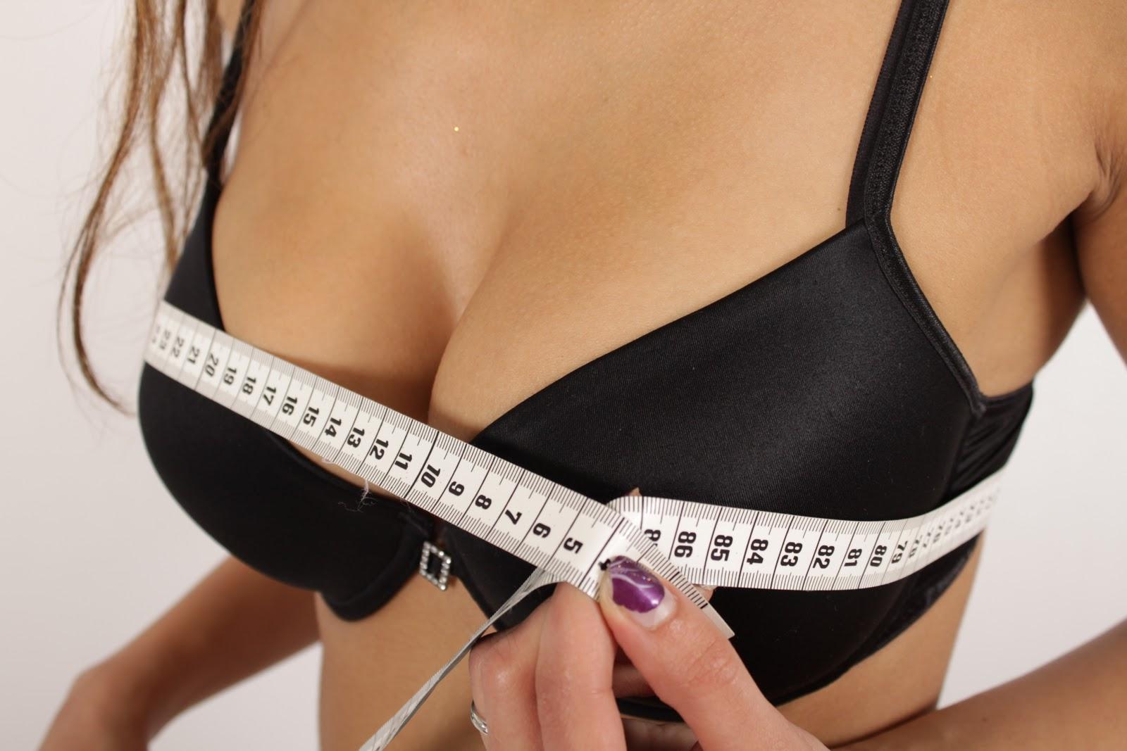 Увлечение женскими грудями 11 фотография
