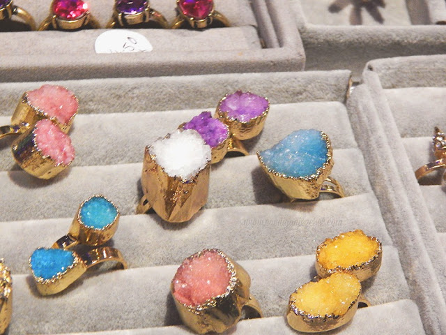 Crystal rings on show in many different colors for Cottonface vintage