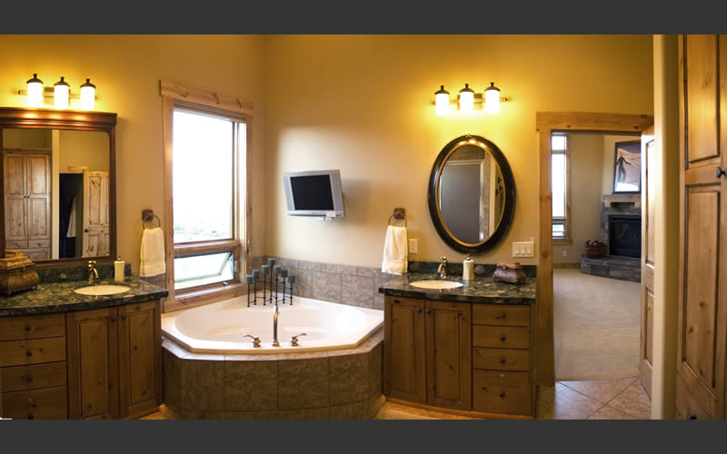 Bathroom light fixtures back 2 home for Bathroom lighting ideas